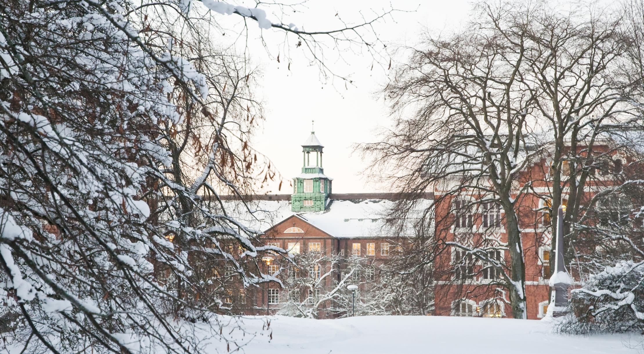 Bygning Tårnbygningen vinter 2